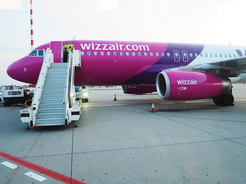 brunettie london londýn travelling cestování wizzair