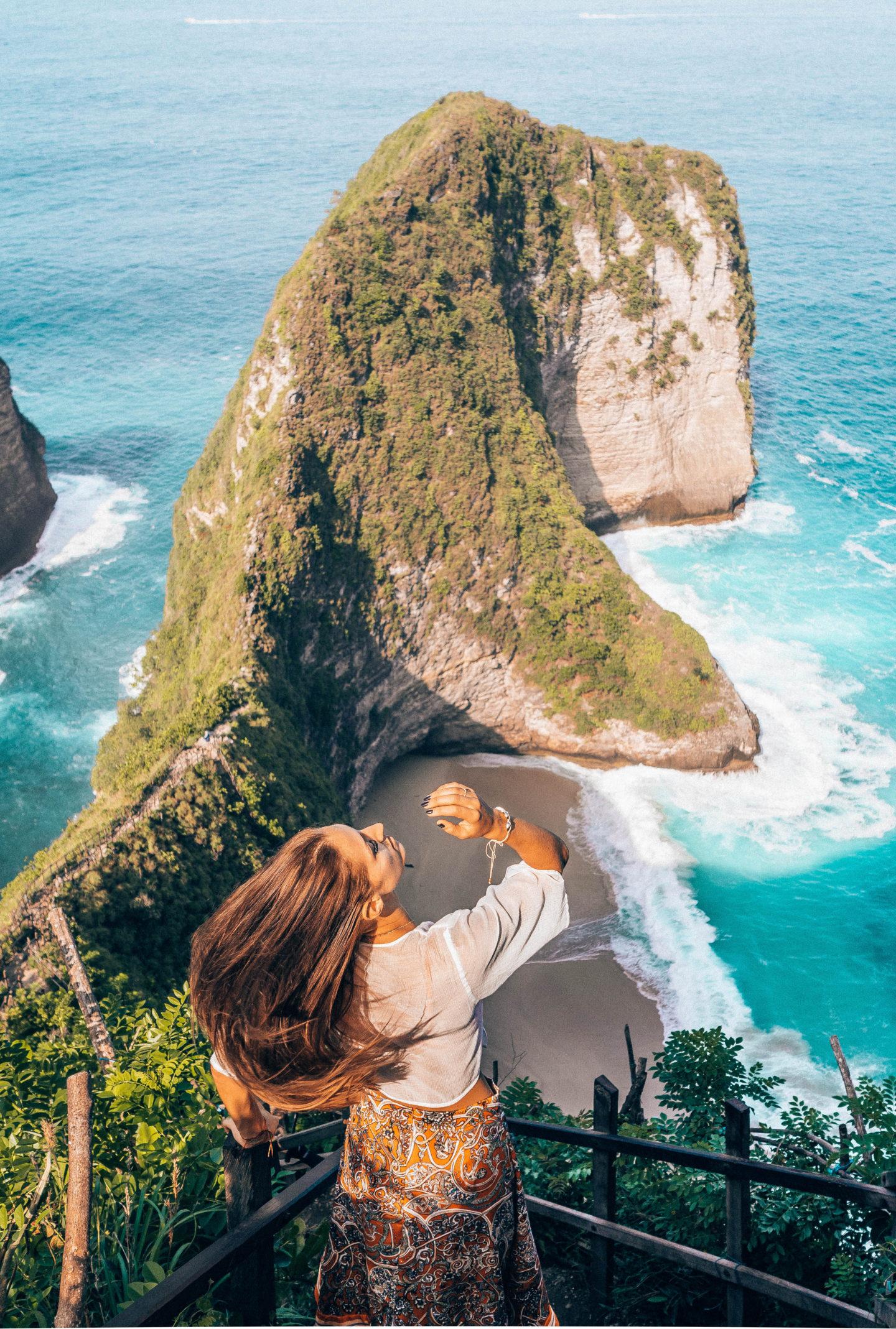 kelingking beach bali nusa penida dinosaur beach brunettie travelling trip