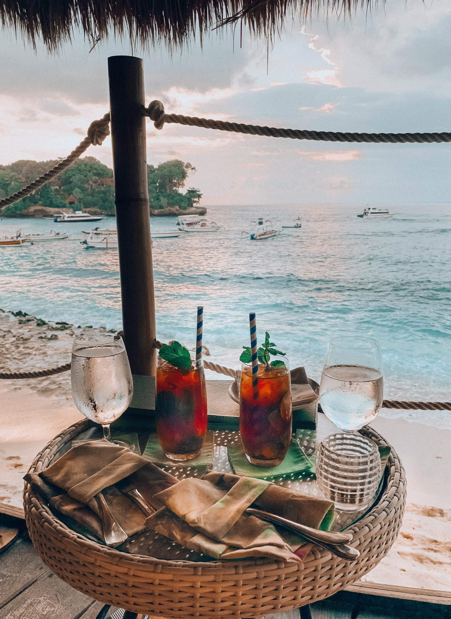 Hai Ri Zen nusa penida nusa lembongan bali island trip indonesia travelling brunettie balifood tip