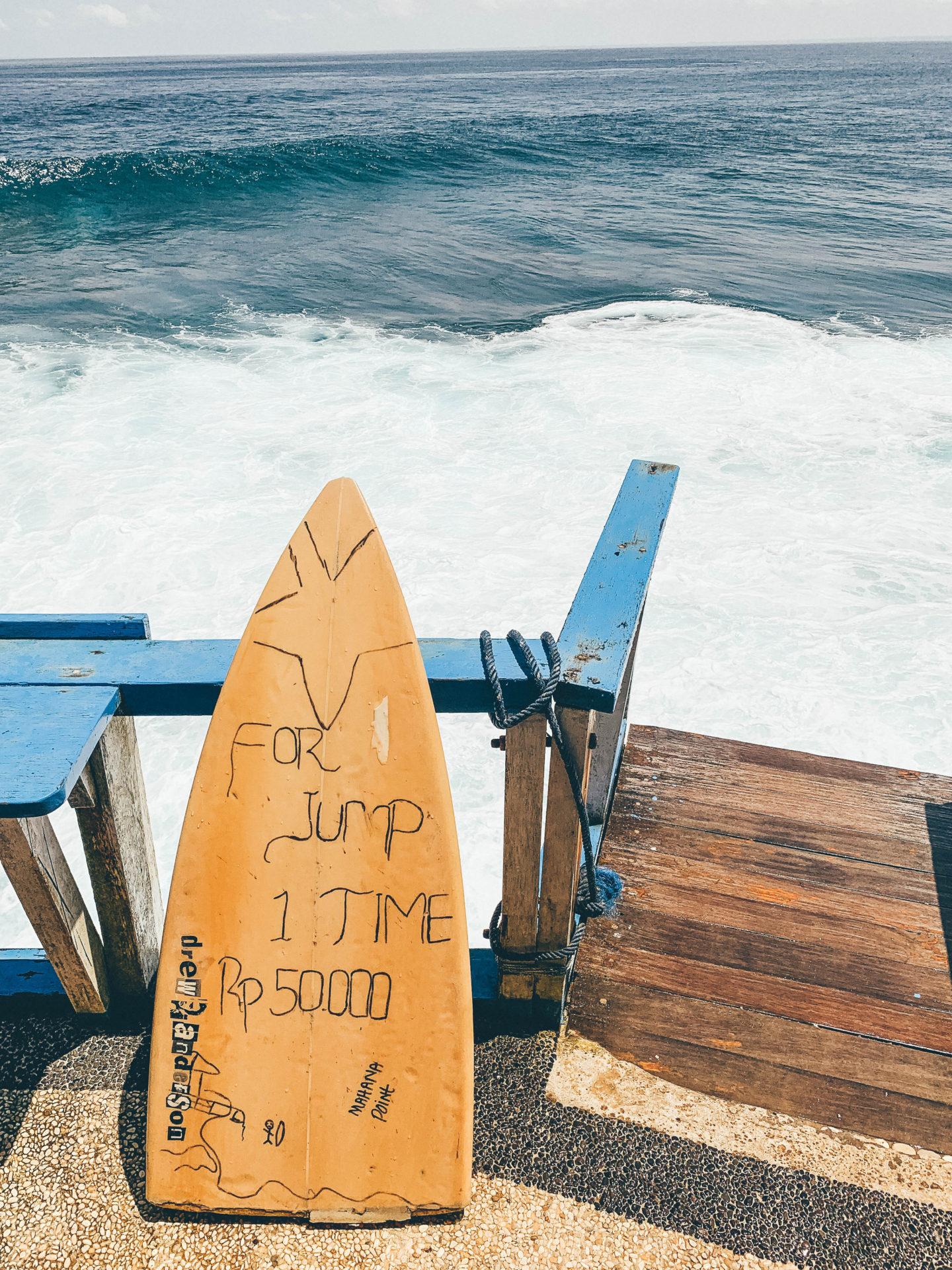 jumping ocean bali nusa ceningan nusa lembongan nusa penida isladn indonesia trip travelling brunettie
