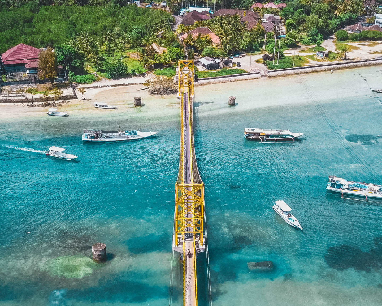 nusa ceningan bali nusa lembongan nusa penida vylet trip travellin cestovani island indonesia yellowbridge brunettie dron shot