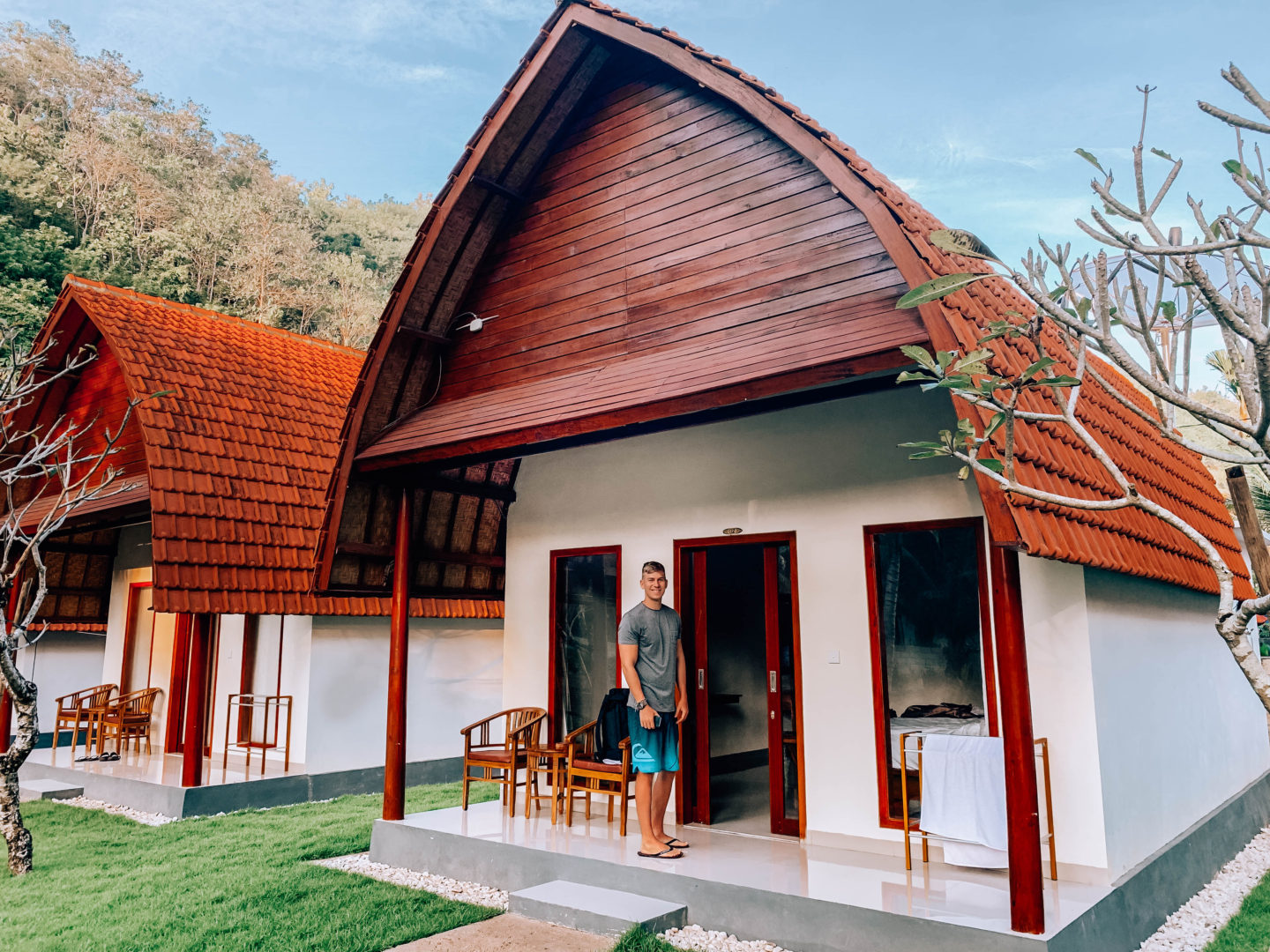 bali nusa penida ruru's bungalows booking accomodation ubytování trip indonesia brunettie travelling travel hacks